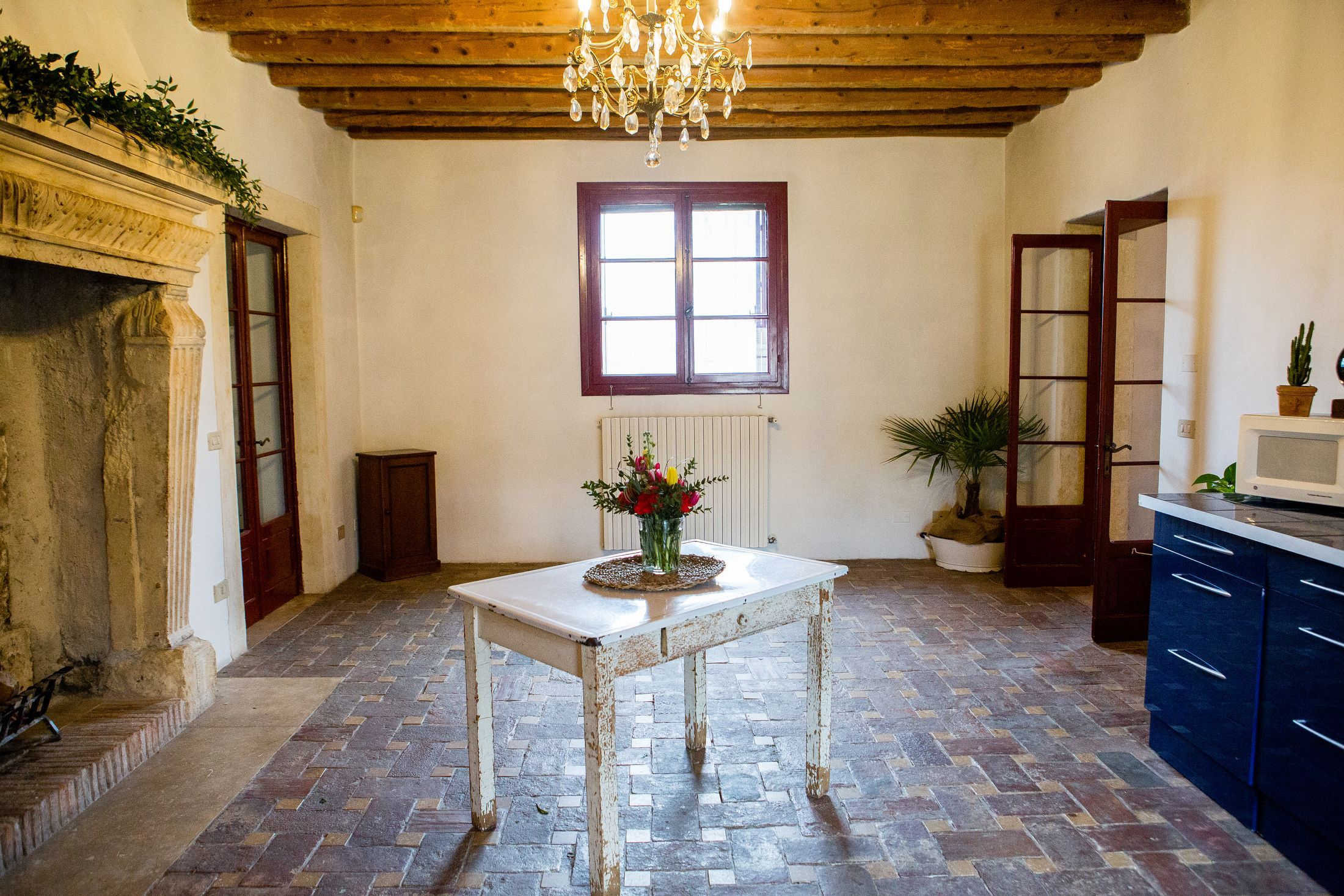 An Insanely Dreamy Rental Apartment In A Converted Stable In A 14th Century Italian Villa Italian Villa Rental Apartments Apartment