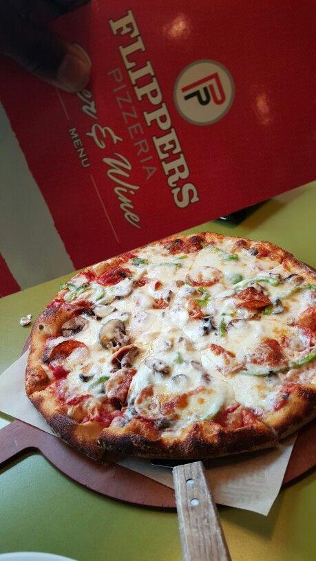 Flippers Pizza In Saint Petersburg Florida Foodie Pinterest