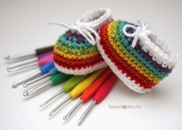 Rainbow Booties | Diy häkeln, Kleinkinder und Babys
