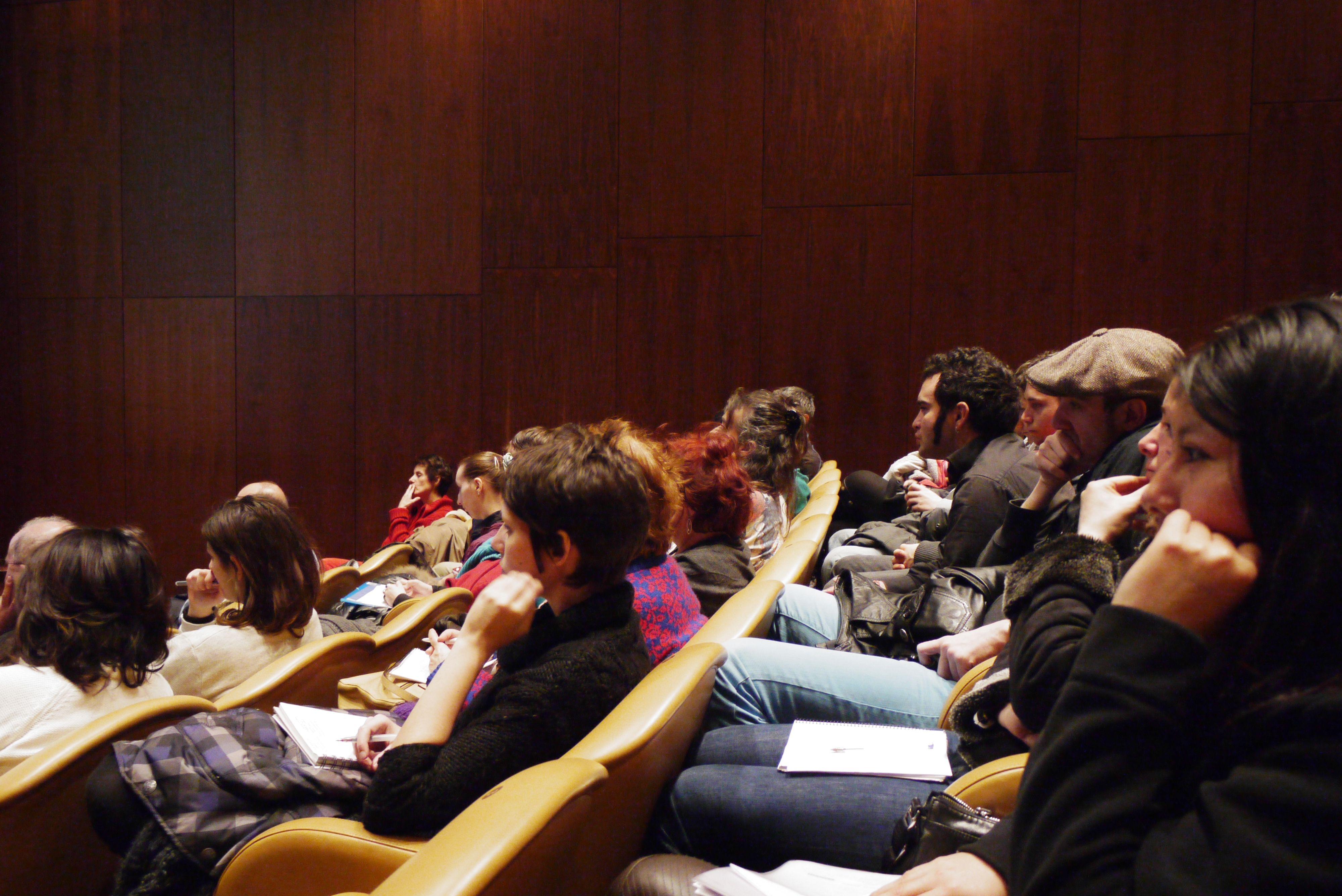 II jornadas juventud, inclusión y Museos con estudiantes de los módulos de integración social y animación socio cultural del IES Barrio Bilbao y Las Rosas con profesionales y usuarios de recursos del ámbito sociosanitario con los que trabajamos habitualmente en el Museo.