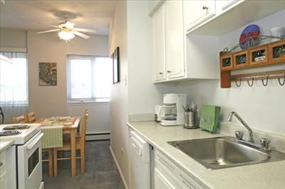 620 67th avenue sw apartments for rent in calgary on managed by for One bedroom apartment calgary