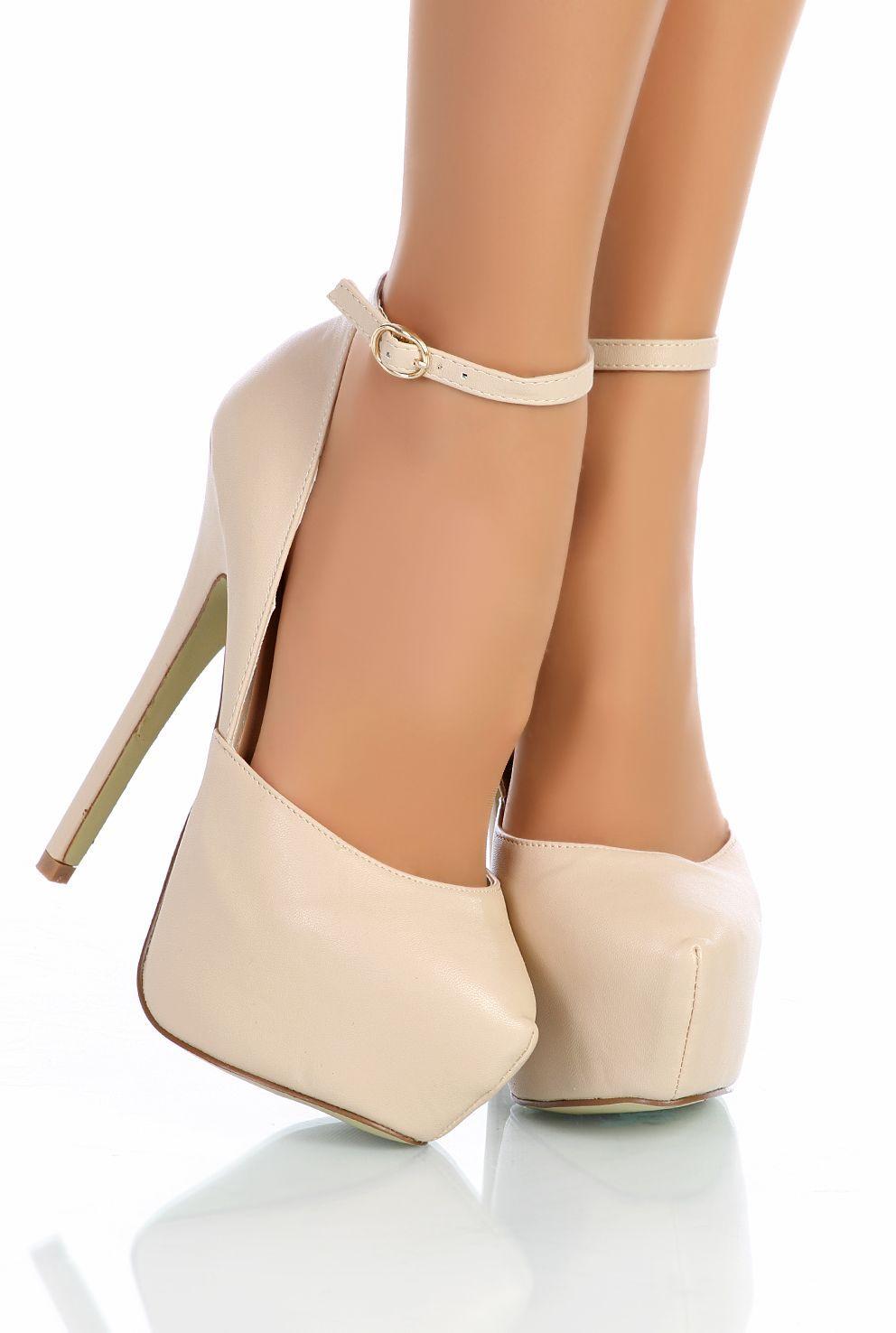 425fcff2465e Escarpins Beige à bride  Optez pour ces magnifiques escarpins à bouts ronds  de couleur beige avec bride à la cheville en simili-cuir. Superbe talon  aiguille ...