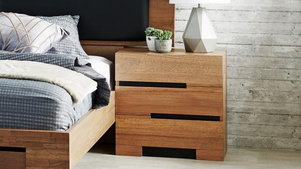 Best Buy Blaxton 3 Drawer Bedside Table Harvey Norman Au 3 640 x 480