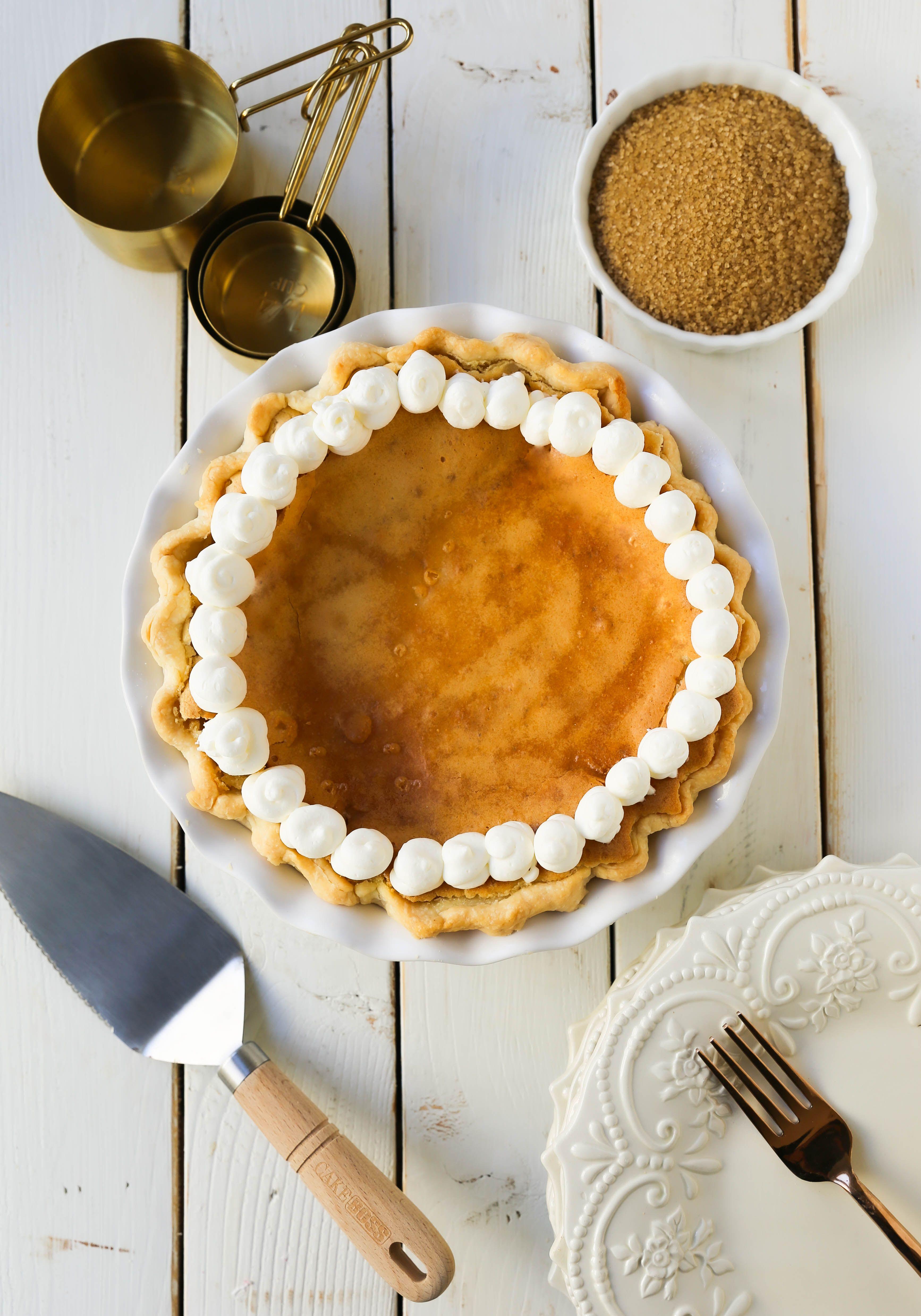 Creme Brûlée Pie – Modern Honey #cremebrulée