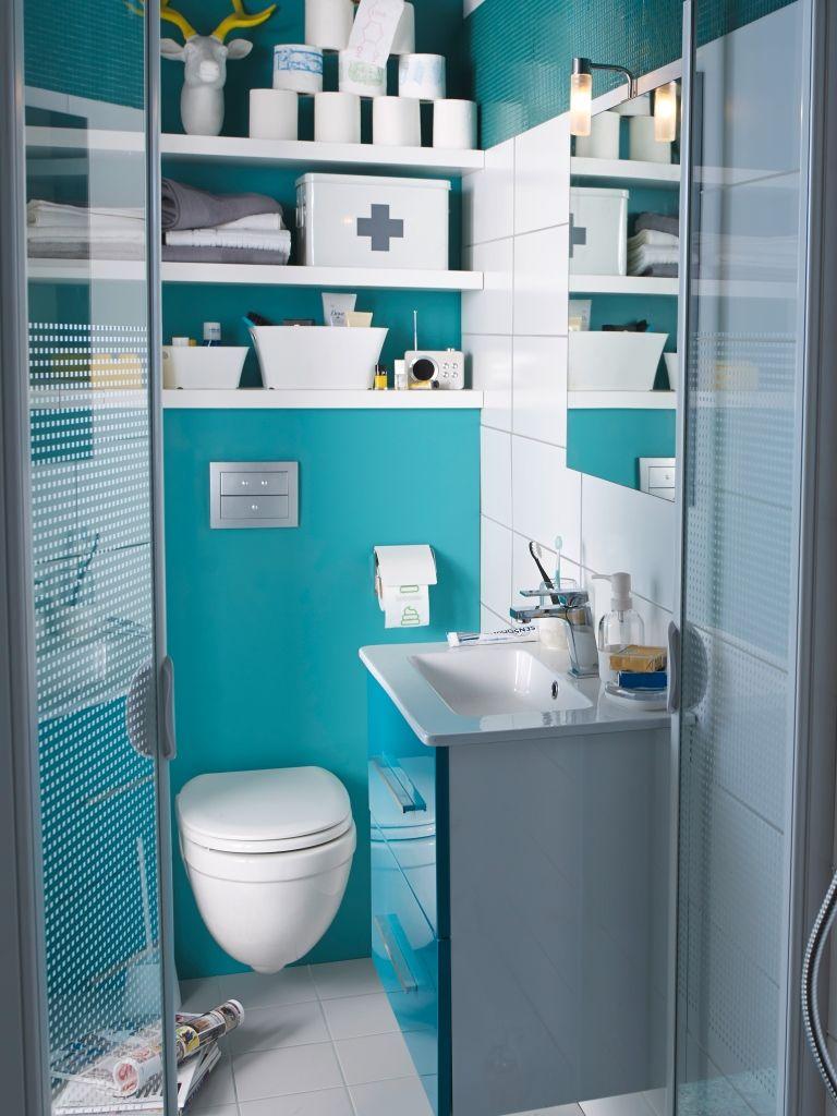 Salle De Bain Deco Bleu ~ un meuble volga et des murs bleu lagon de la dans cette mini salle