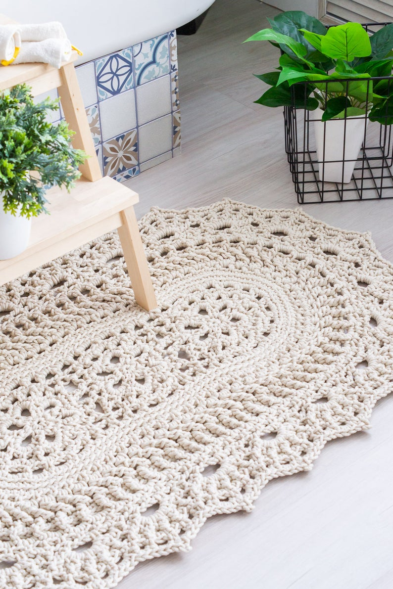 Crocheted square rug video tutorial LaceChicago by Lacemats Available in English only subtitles