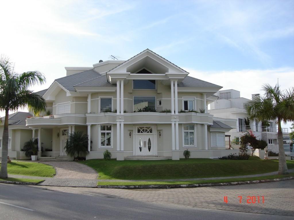 casas jurere internacional pesquisa google lindas casas beautiful homes em florian polis. Black Bedroom Furniture Sets. Home Design Ideas