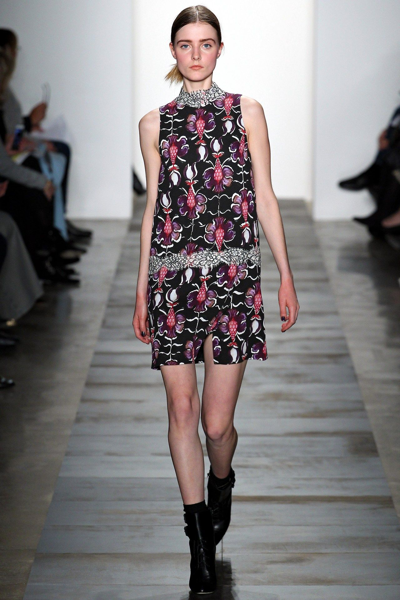 See the Wes Gordon autumn/winter 2015 collection