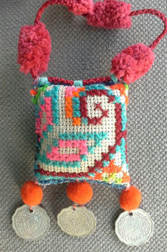 Collier/Pendentif textile esprit bohème par VeronikB