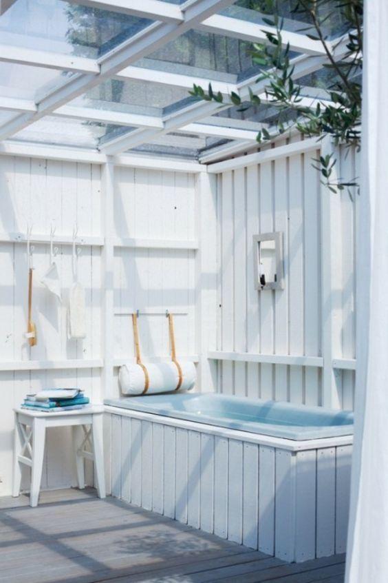 Rêvons un peu avec ces salles de bains et douches d\u0027extérieur, qui