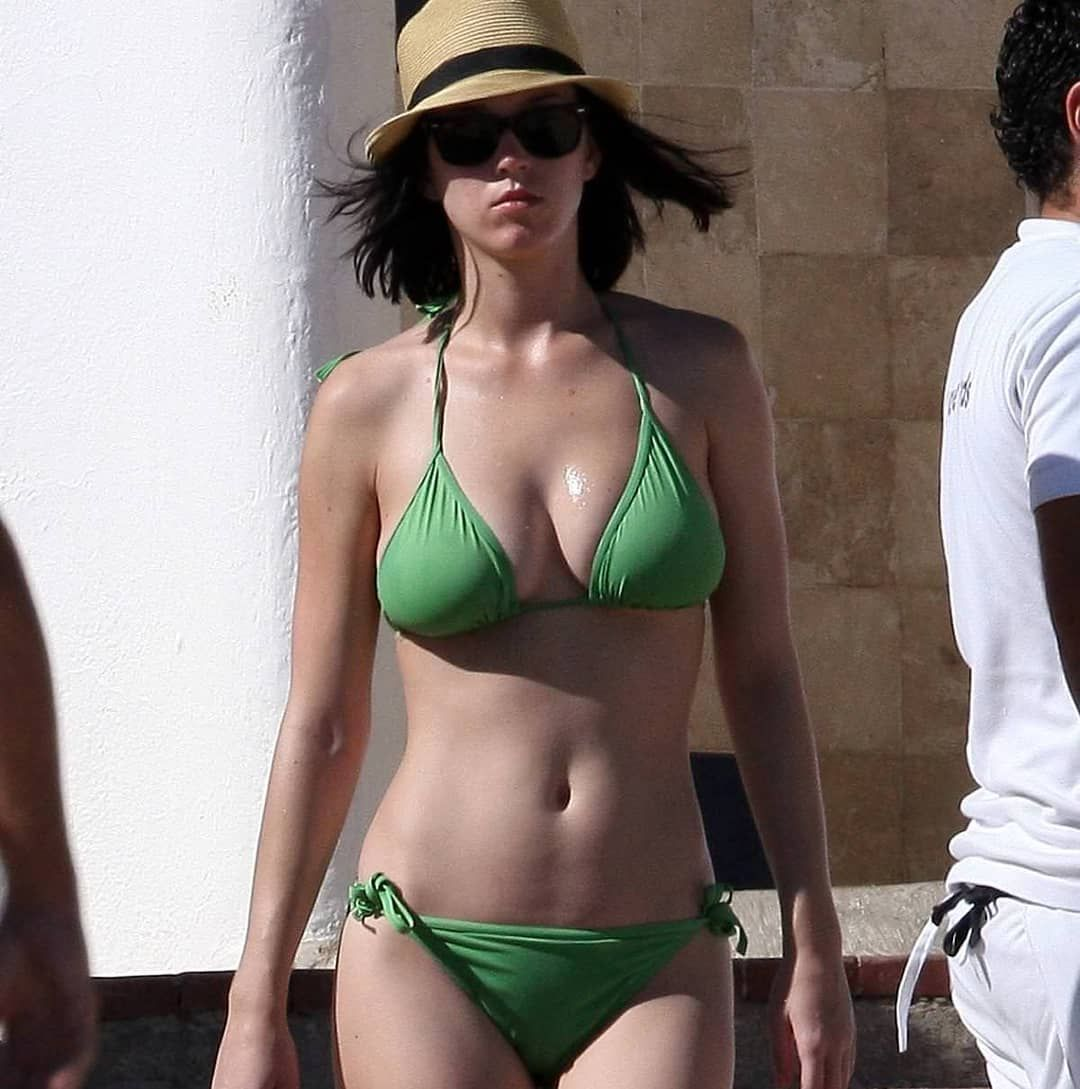 #katyperry #bikini #busty #bellybutton #sexy #hot #celebrity #celebrities