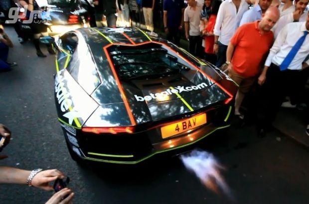 فيديو لأصوات عدة سيارات لمبرجيني افنتادور سيشعرك بالحماسة موقع تيربو العرب Sports Car Car Vehicles