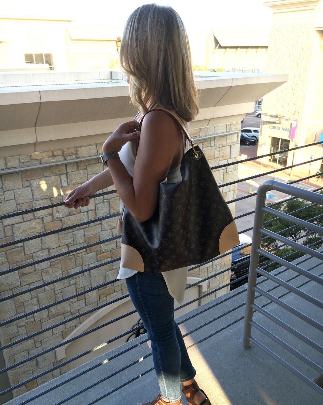 86569dc2f9 Louis Vuitton Berri MM | My Style | Fashion, Louis vuitton, Louis ...