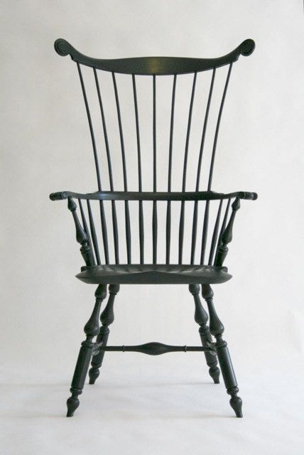 The American Windsor Differed From British Windsor Chairs   Often With  Taller Proportions And More Elegantly Drawn With Thinner Spokes Set Further  Apart