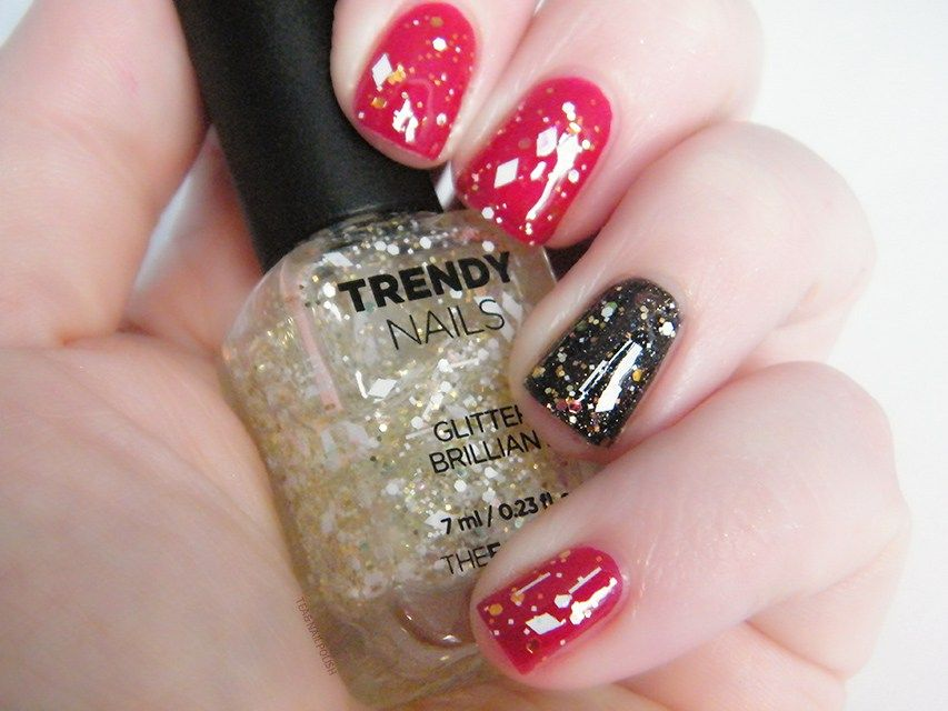 THEFACESHOP Trendy Nails Glitter GLI001 Swatches   Swatch and Nail nail