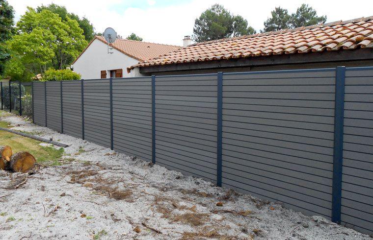 Pose de clôture en bois composite PROJET MAISON JARDIN TERRASSE