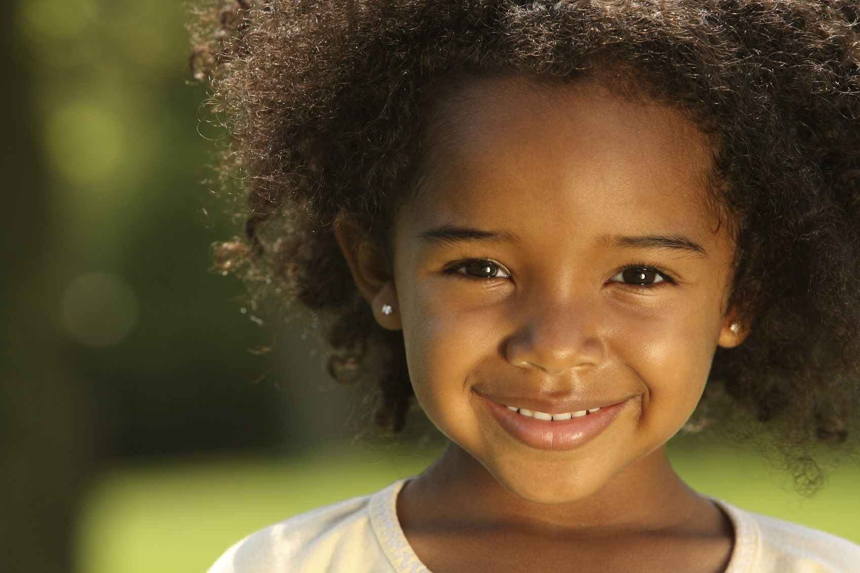 I found this on a Kids' Club website. Awesome Smile. I blogged about how I made a little girl smile @ http://kobewebs.blogspot.com