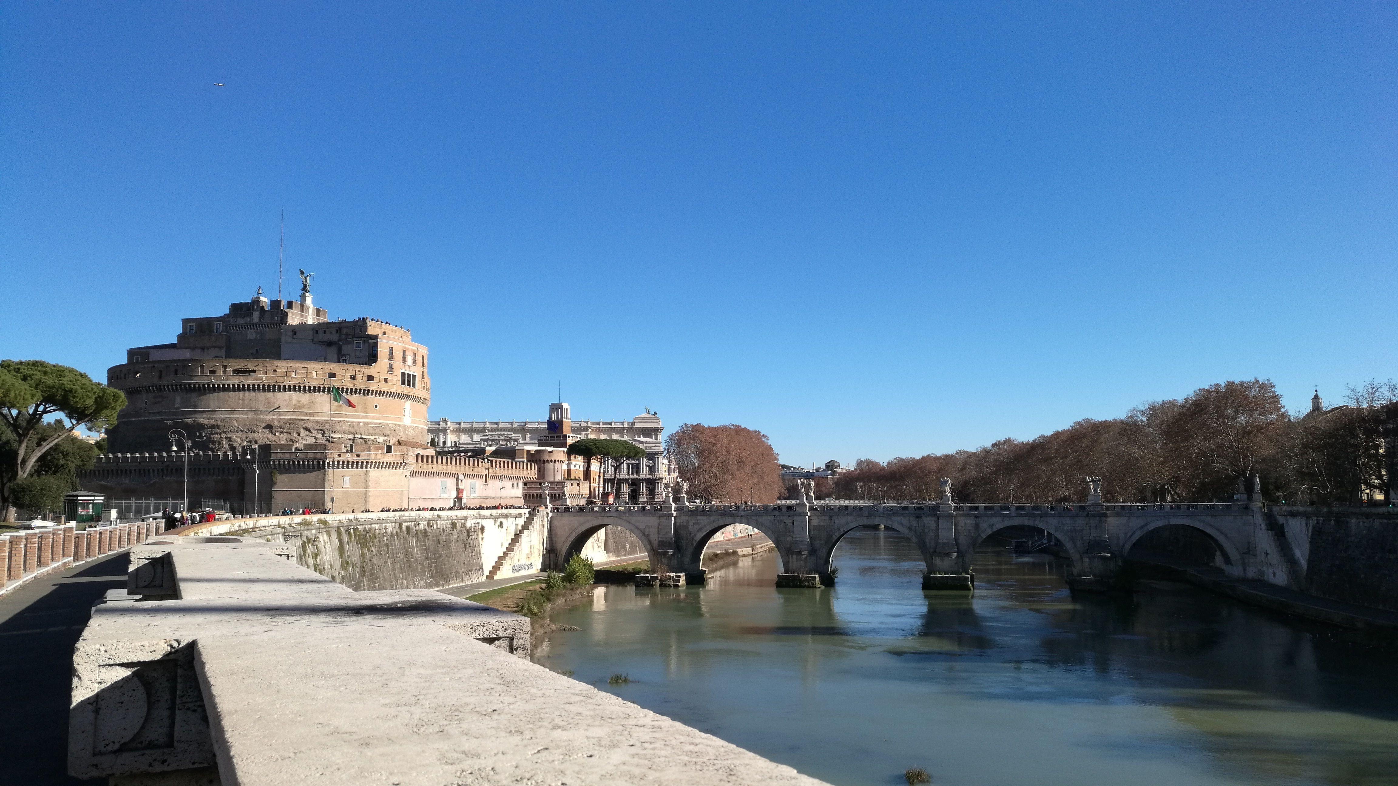 Castelo y punete de Sant Angelo