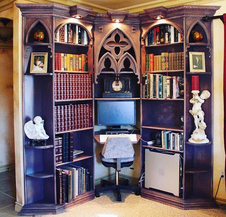 Gothic book case violet hotel zimmern m bel und for Gothic wohnen