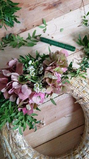 DIY Hortensienkranz mit Wachsblumen