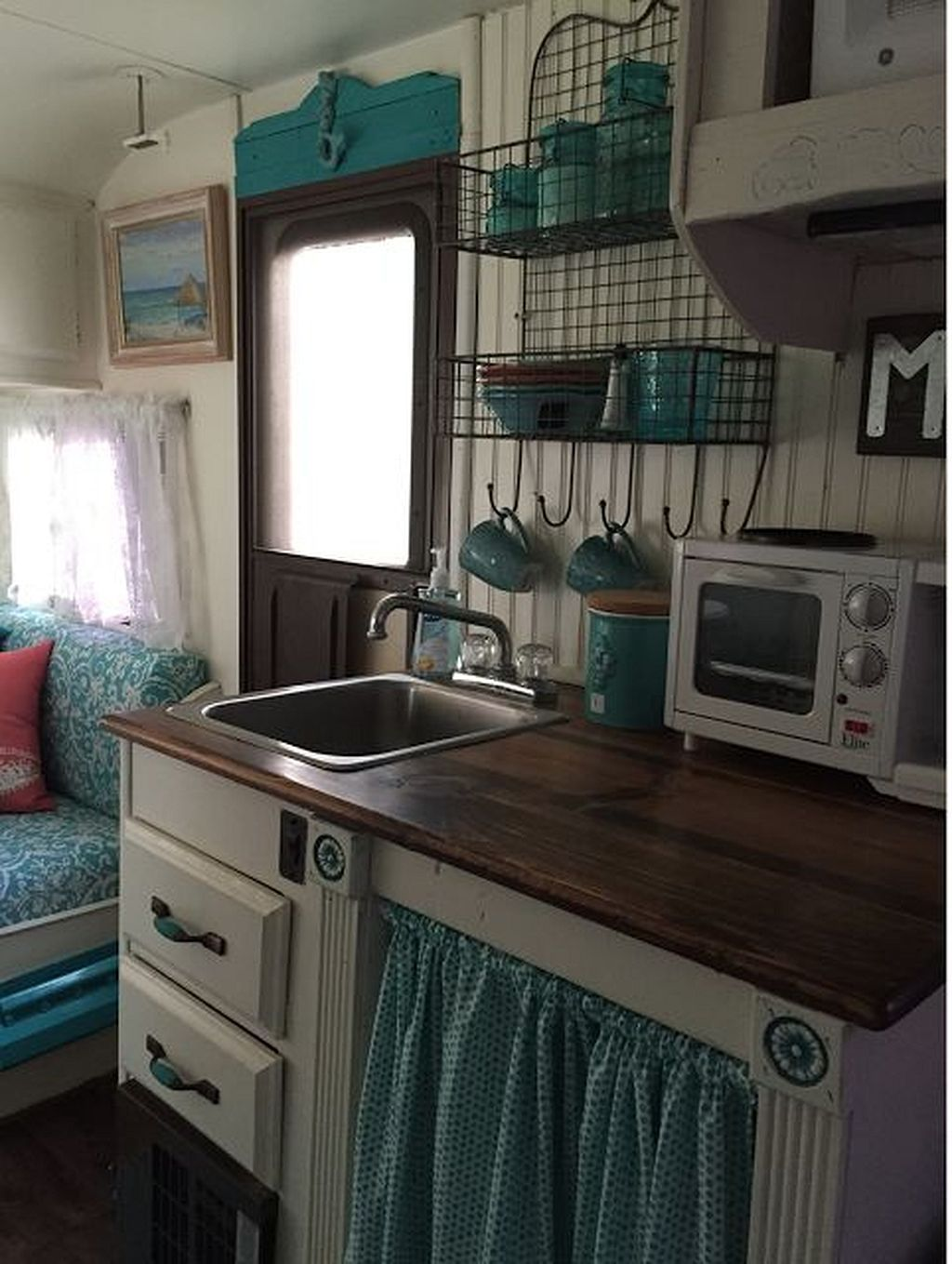 Gorgeous Shasta Vintage Camper Trailer Remodel Ideas 31 Rv Campervan