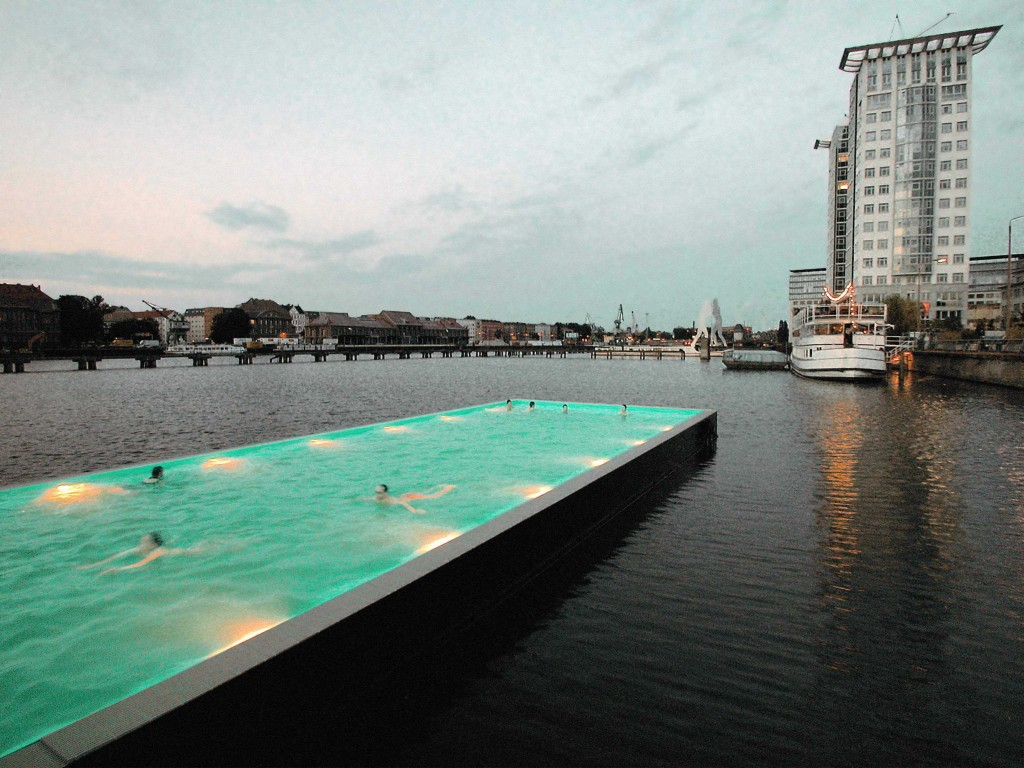 Swimming Pools In Berlin Spree Bridge Bathing Ship Amp Arquitectos Weird But Cool