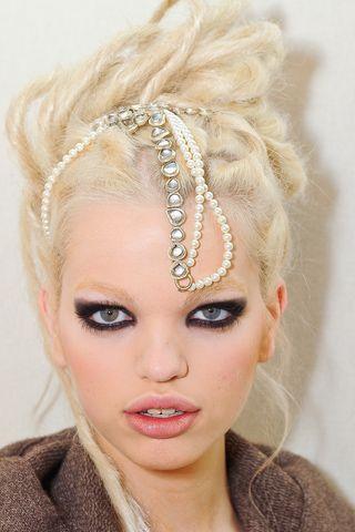 Chanel Pre-Fall 2012 Beauty Slideshow on Style.com