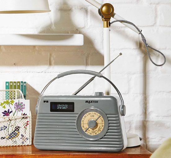 budget sounds retro maxtek dab radio at aldi retro. Black Bedroom Furniture Sets. Home Design Ideas
