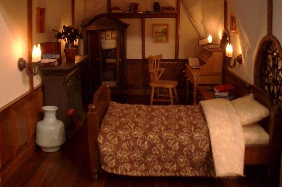 Lotr Hobbiton Bilbo Baggins Bag End Hobbit Hole Bolbo S Bedroom Hobbit House Interior Guest Room Decor Skyrim House