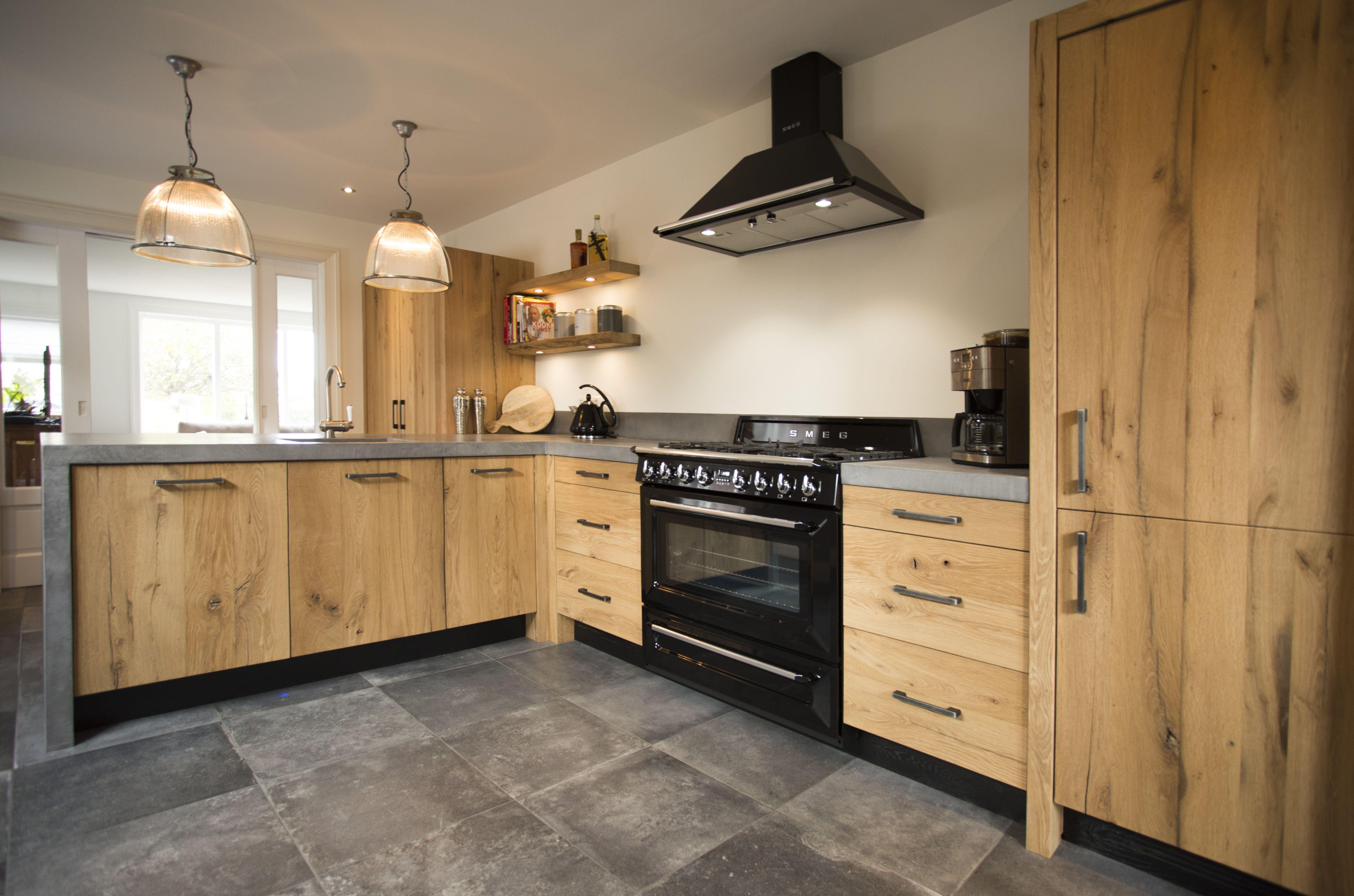 Keukenblad in beal mortex door vloer zo interieur zo vloer