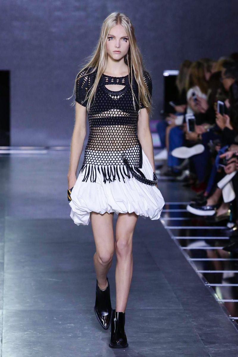 Louis Vuitton Ready To Wear Spring Summer 2016 Paris - NOWFASHION