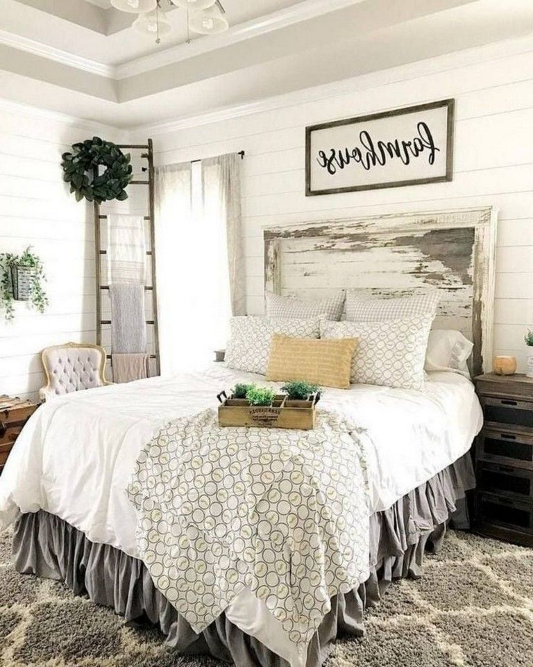 32 Cozy Farmhouse Bedroom Decorating Ideas For Your Apartment