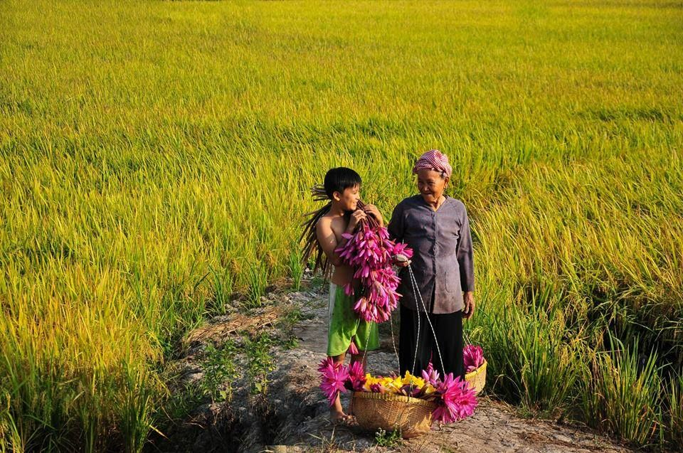 Io e mia nonna, siamo tornati a casa dopo un giorno lavorativo. http://viaggivietnam.asiatica.com/