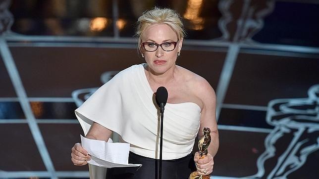 Patricia Arquette: «Es el momento de que las mujeres tengamos los mismos derechos» http://w.abc.es/pjr496