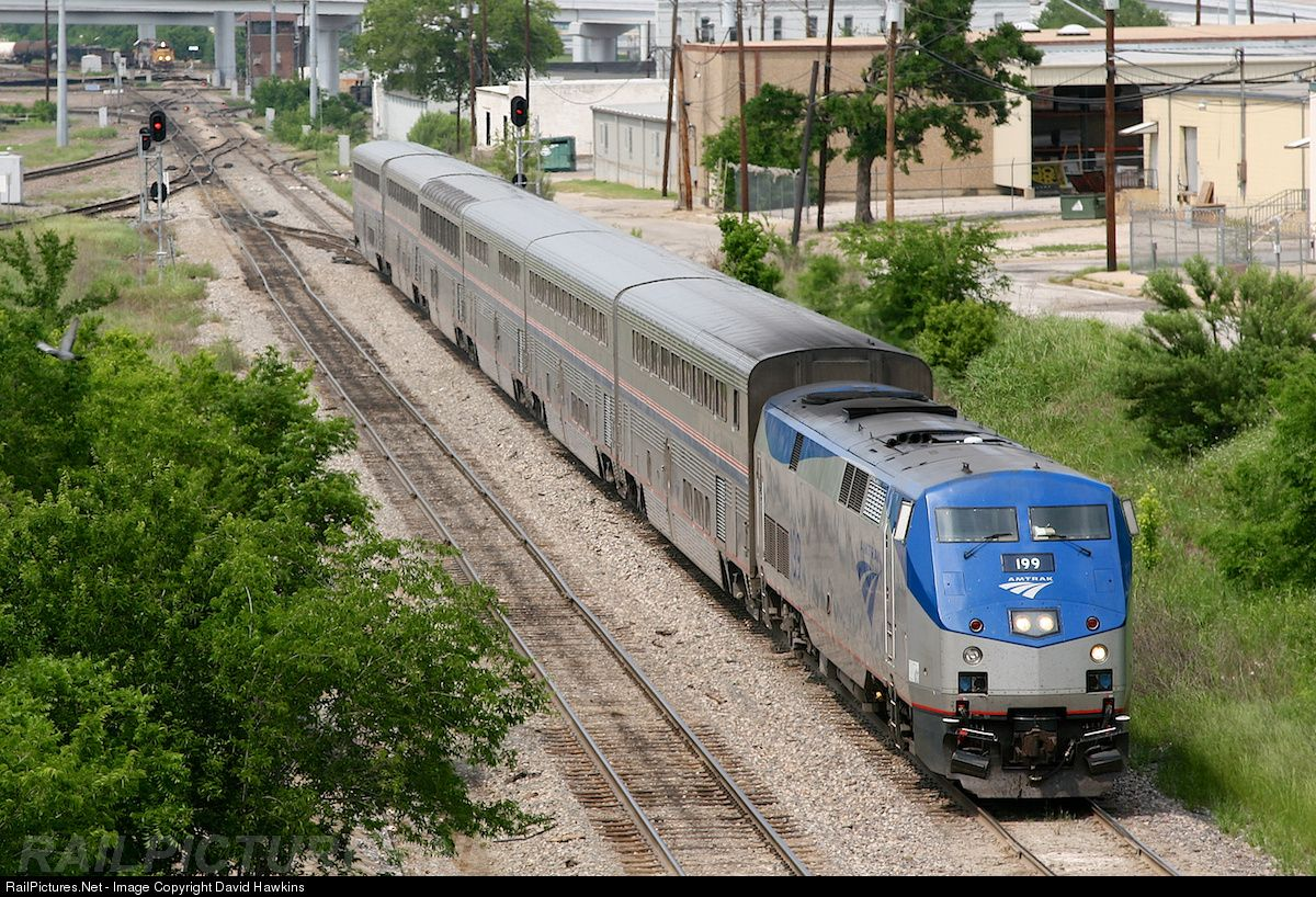 Amtrak texas eagle in reverse backing into the depot