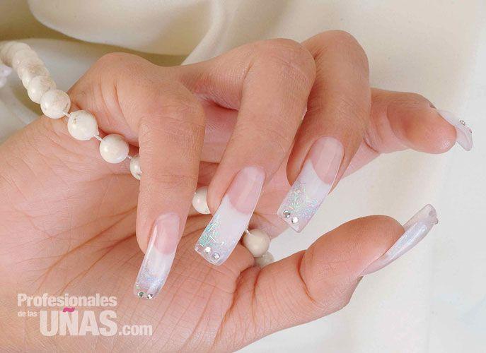 Diseño uñas (nails) Para una radiante ocasión Trabajo de: KOKORO con ...