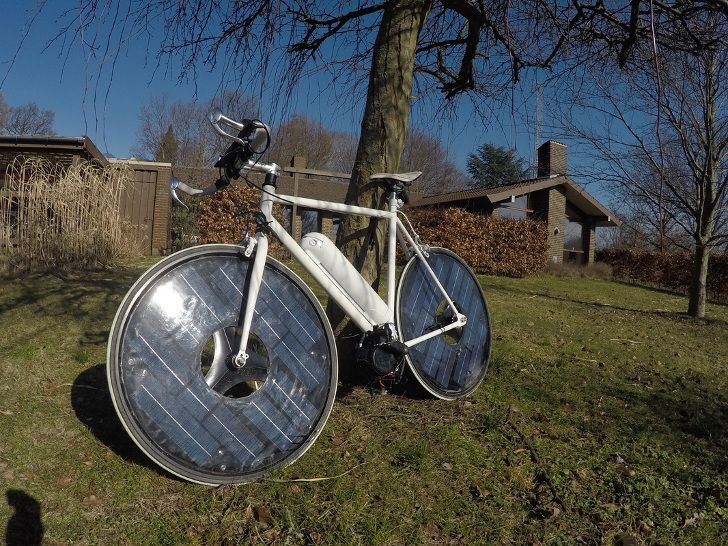 This Solar Powered E Bike Has A Top Speed Of 30 Mph Electric Bicycle Electric Bike Green Electric