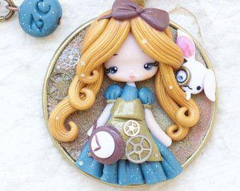Polymer Clay Necklace Disney Princess Clay Disney Princess Belle Arcilla Polimerica Disney Munecas De Arcilla Polimerica Miniaturas De Arcilla Polimerica