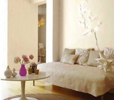 Couleur lin et peinture blanc cassé dans un salon zen | Salons