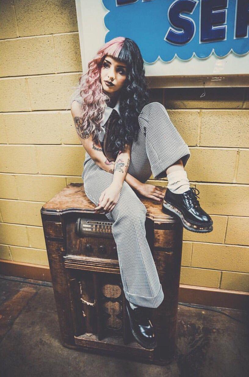 8 Awesome Melanie Martinez Outfits to Copy Now