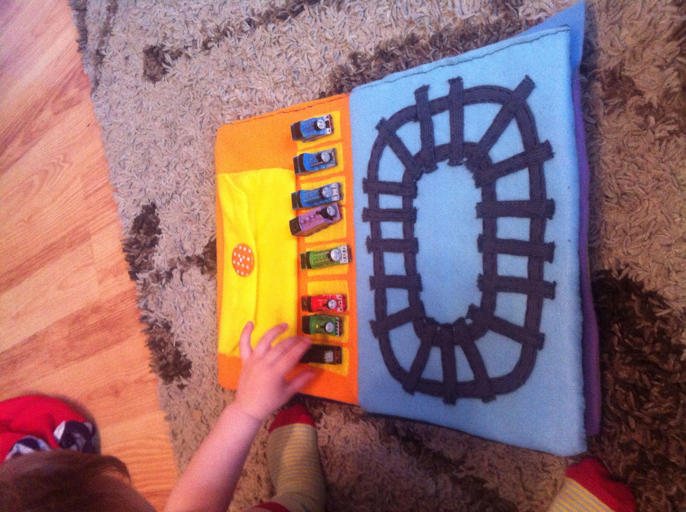 Pin de Antonia Richardson en Oliver\'s felt play book | Pinterest
