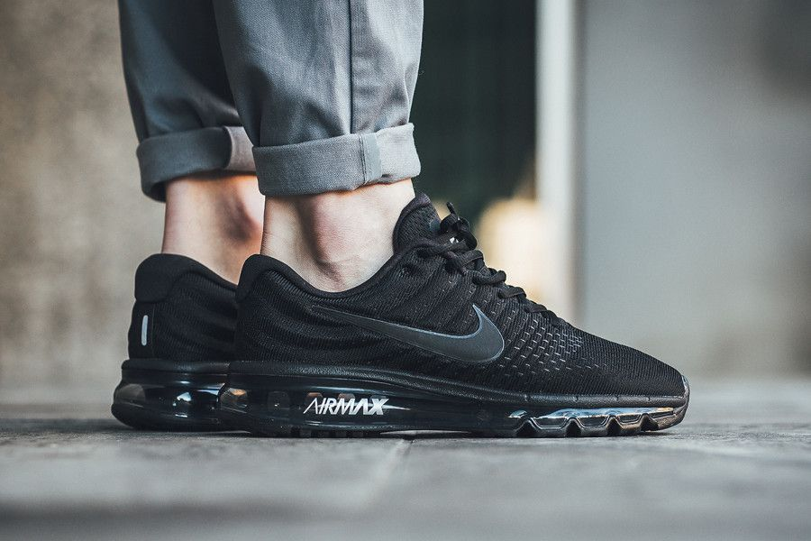nike air max 2017 triple black on feet 849559 004 (1) | Nike