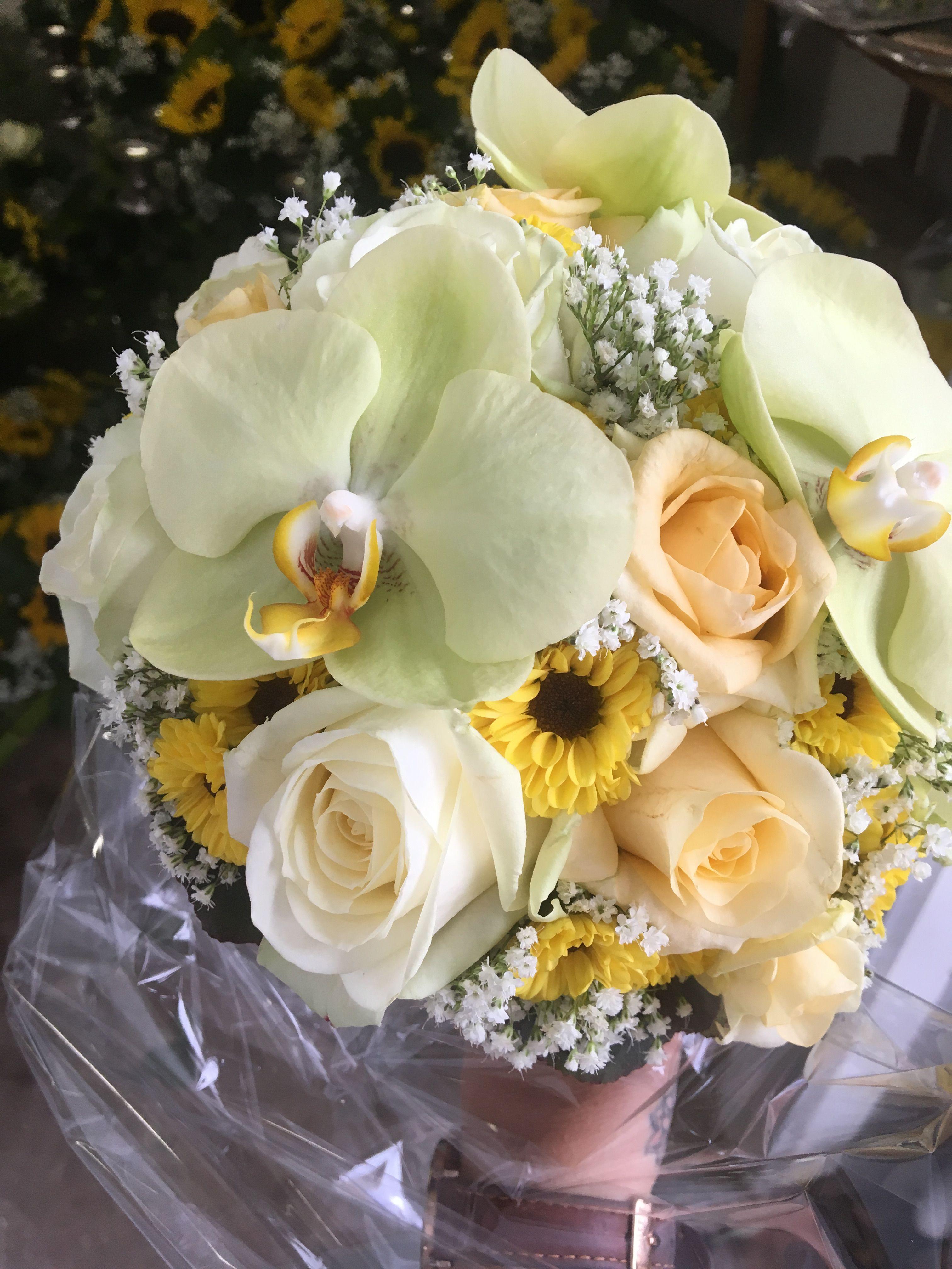 Brautstrauss Mit Orchideenbluten Gelb Orangen Tonen