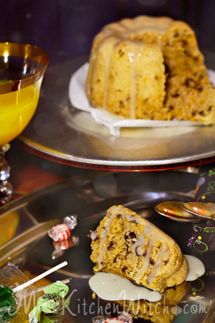 Hogwart's Spotted Dick - Vegan Harry Potter Recipes via http://MissKitchenWitch.com