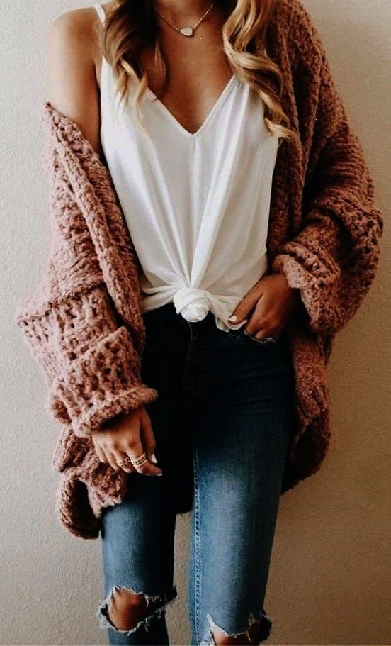 Chunky sweaters and jackets are the best style for back to school this fall. | Trendy Fall Outfits:...