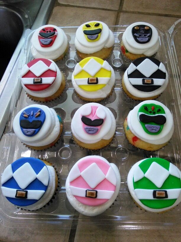 Power Ranger Cupcakes Strwbrygrl S Cakes Pinterest