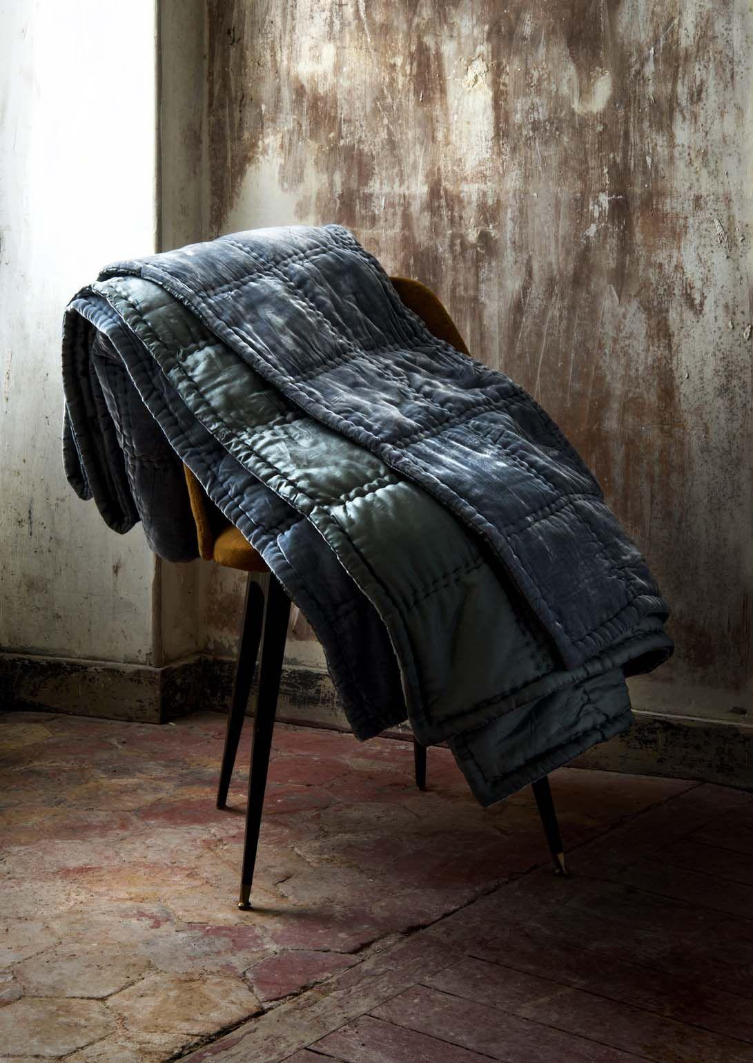 quilt en soie le monde sauvage linge de lit plaids pinterest monde sauvage sauvages et soie. Black Bedroom Furniture Sets. Home Design Ideas