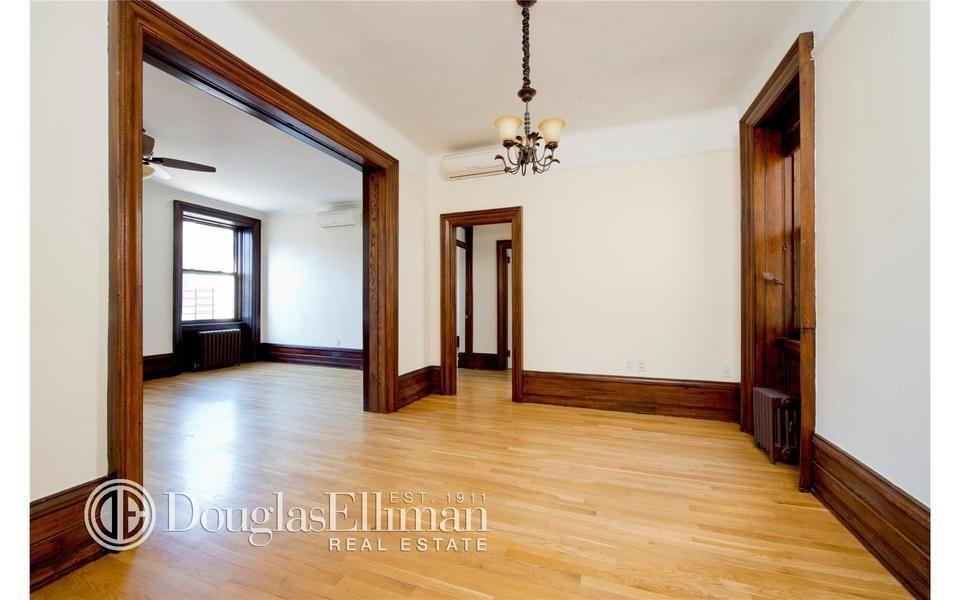 light floors dark trim white walls house in 2019 dark wood trim 1920s home decor home decor. Black Bedroom Furniture Sets. Home Design Ideas
