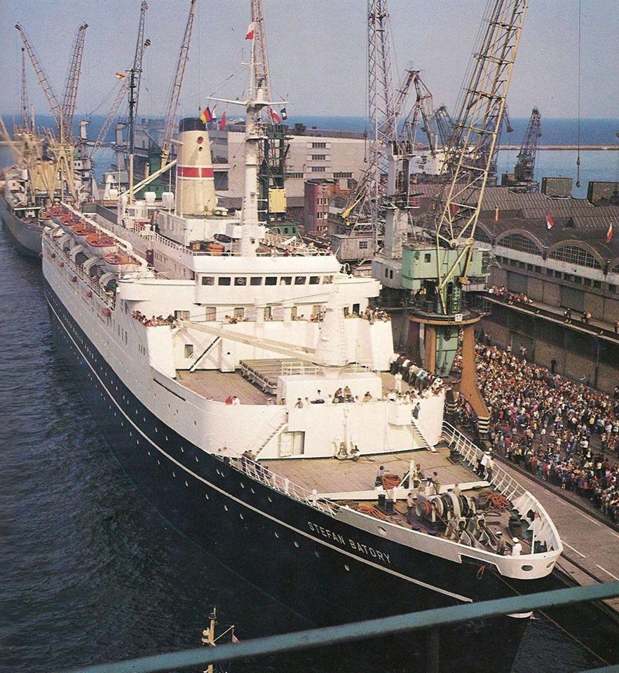 Ts Stefan Batory 1968 1988 - Polish Ocean Liner In