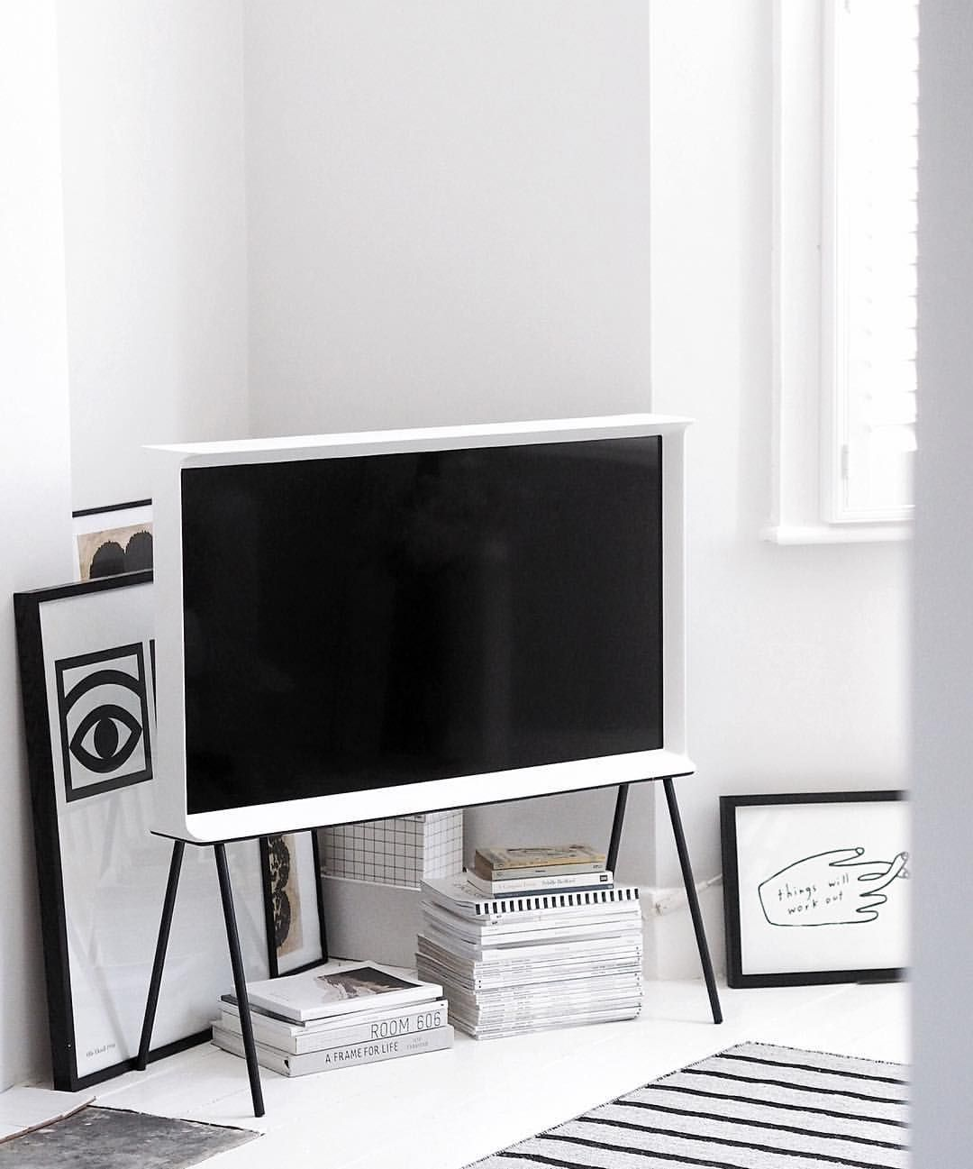 Samsung S Serif Tv Designed By The Bouroullec Brothers Simple  # Meuble Tv Zorg